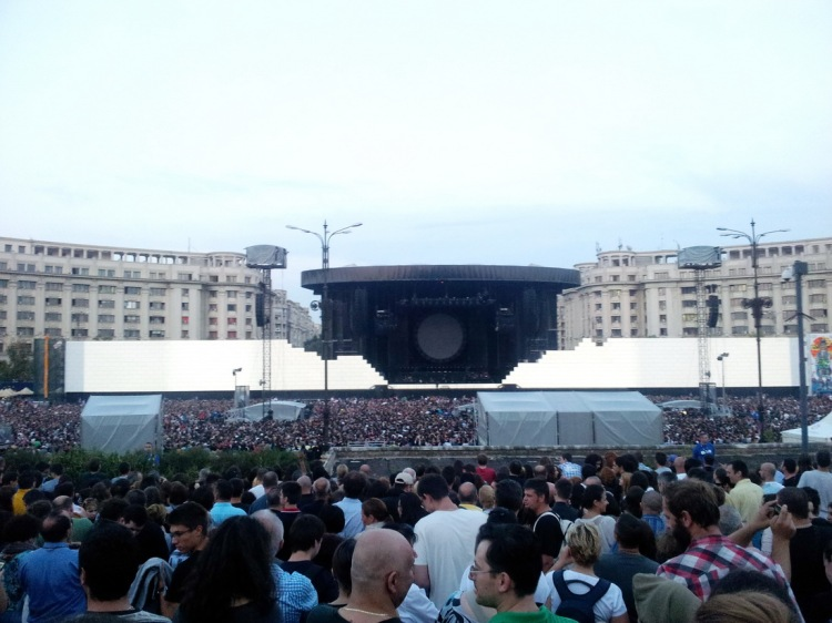 Scena Roger Waters la București.